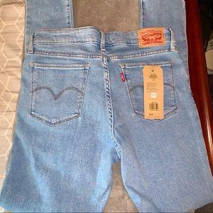 NWT Levi Sculpt Skinny Jeans